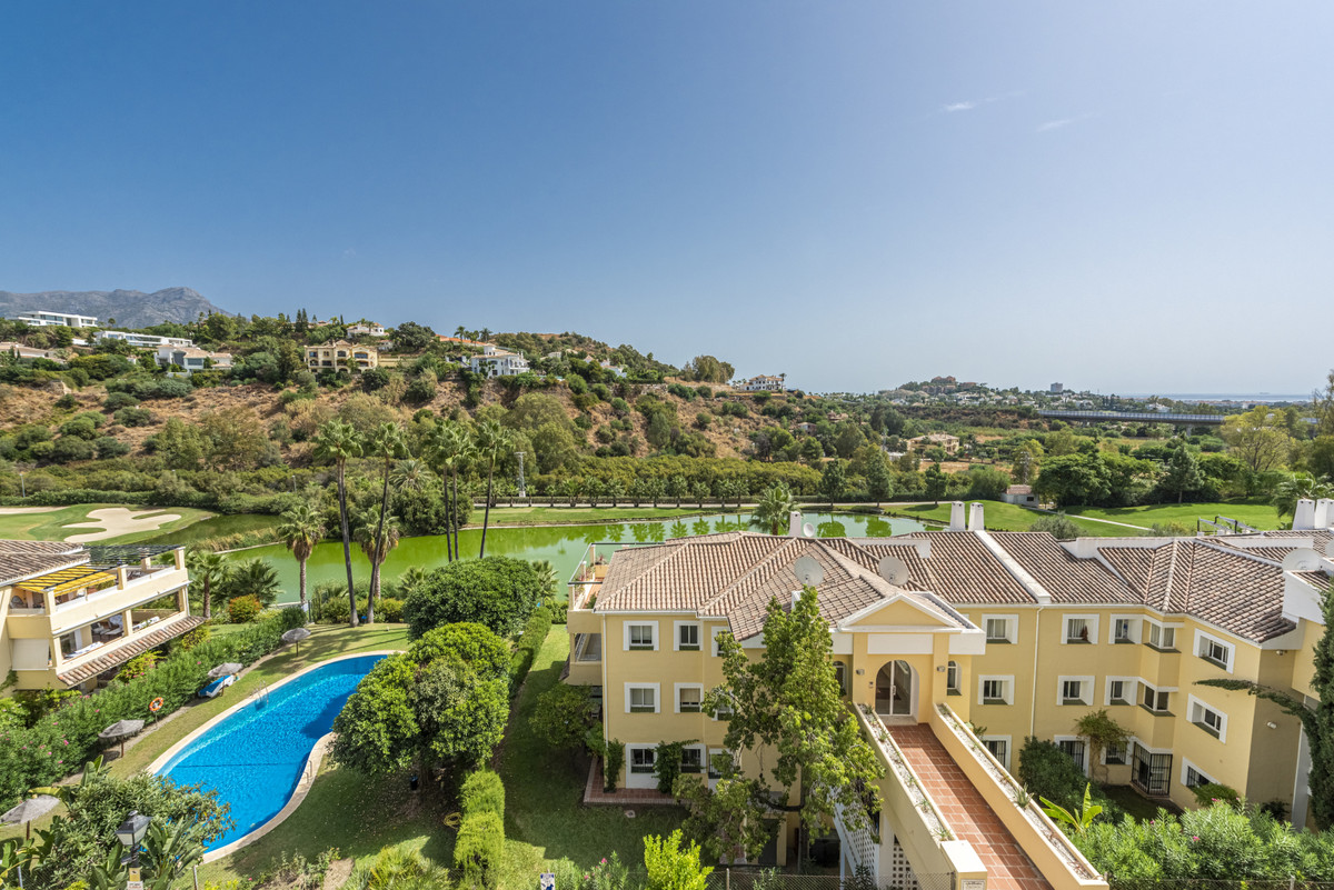 A fully renovated and furnished Top Floor apartment in La Quinta. First thing you notice is the ligh,Spain