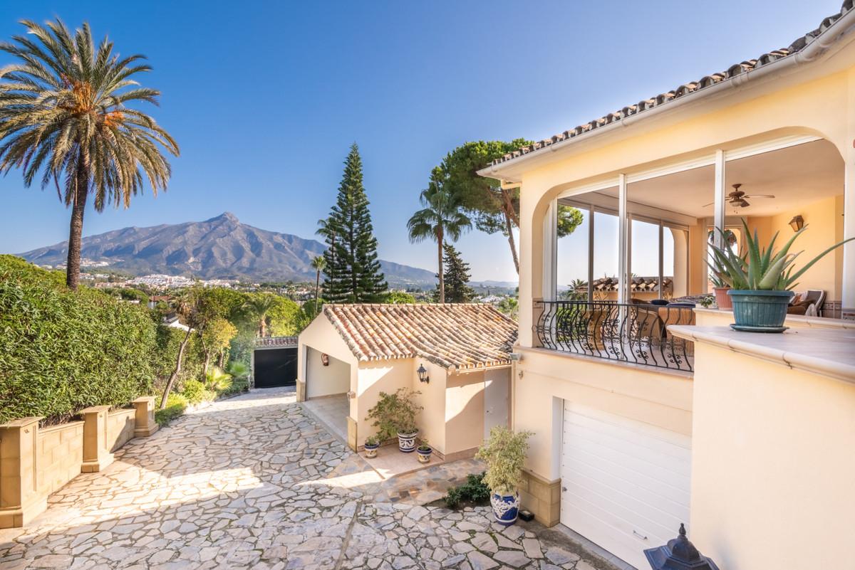 Marbella Banus Villa – Chalet en Venta en Nueva Andalucía – R3447835