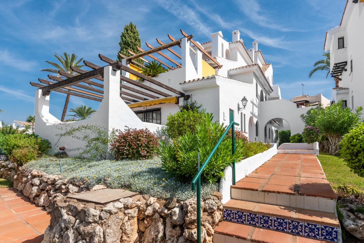 Marbella Banus Apartamento Planta Baja en Venta en Nueva Andalucía – R3515638