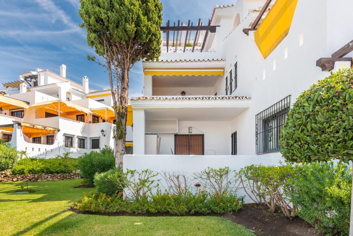 Apartamento en Venta en Nueva Andalucía – R3515638