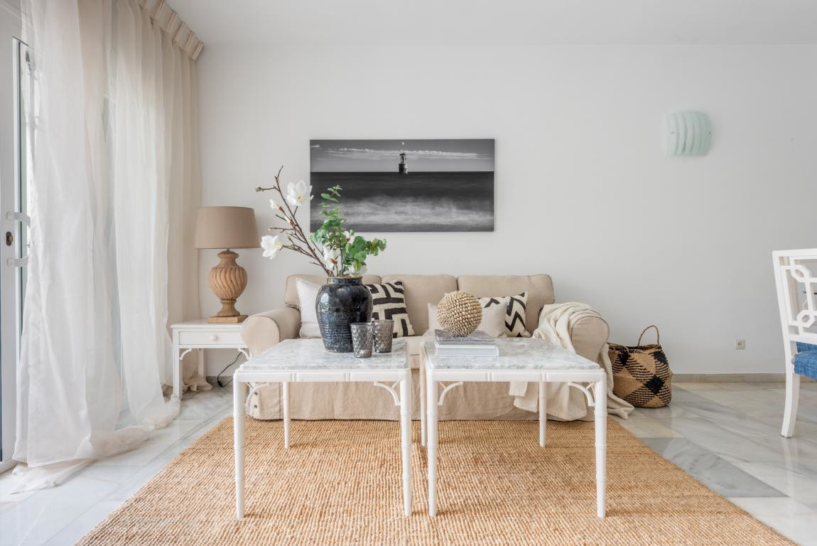 Town House for sale in Aloha, Nueva Andalucia