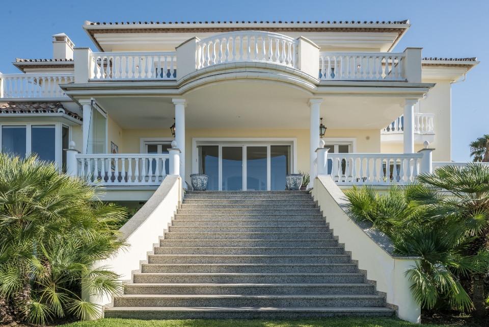Villa for sale in Nueva Andalucia - Nueva Andalucia Villa - TMRO-R2603726