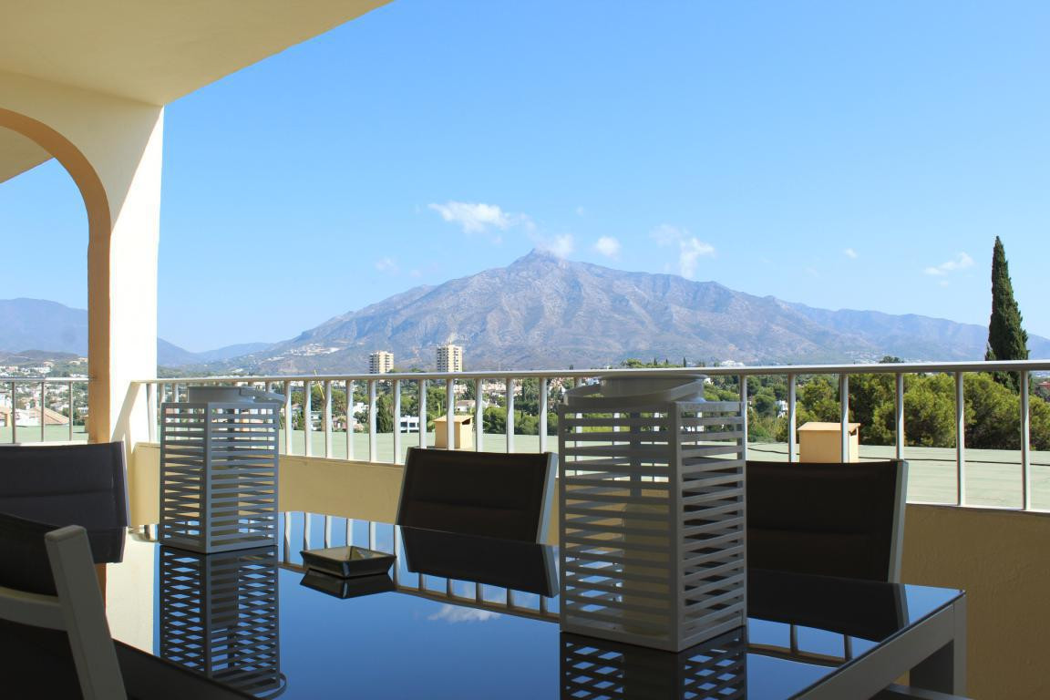 Ground Floor Apartment for sale in Nueva Andalucia - Nueva Andalucia Ground Floor Apartment - TMRO-R3015050