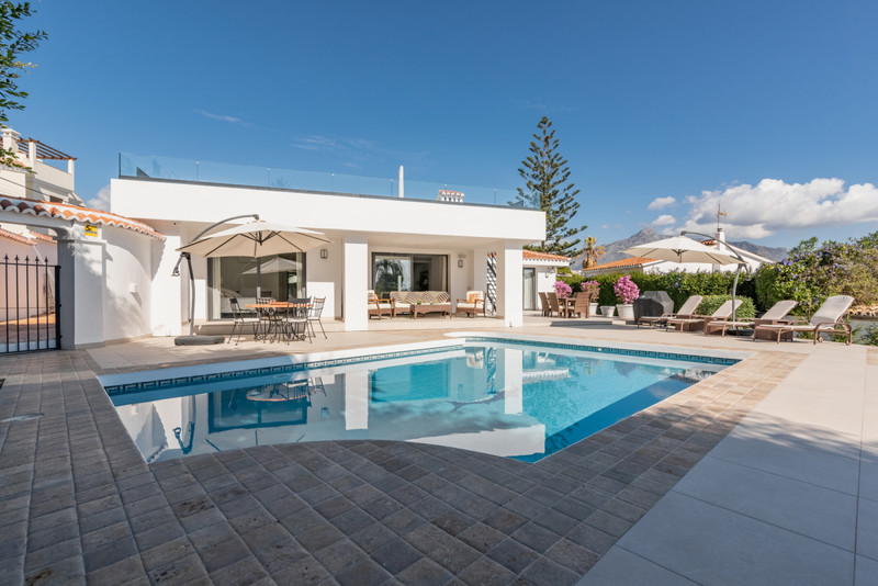 Villas for sale in Nueva Andalucia 25