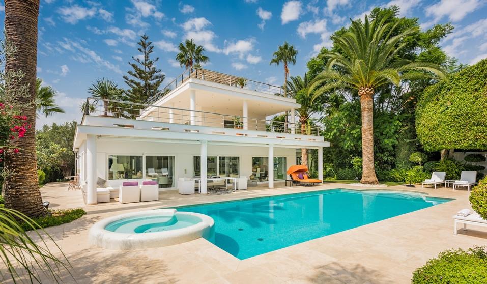 Villa for sale in Nueva Andalucia - Nueva Andalucia Villa - TMRO-R2751440