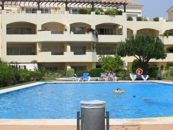 Beautiful apartment, located in Elviria second line beach, a few minutes from the best golf courses,, Spain