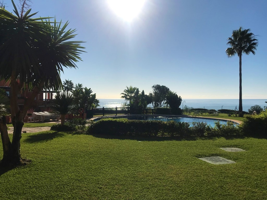 New on the market 1st line beach in Estepona - exquisite urbanization l with huge and beautiful gard,Spain