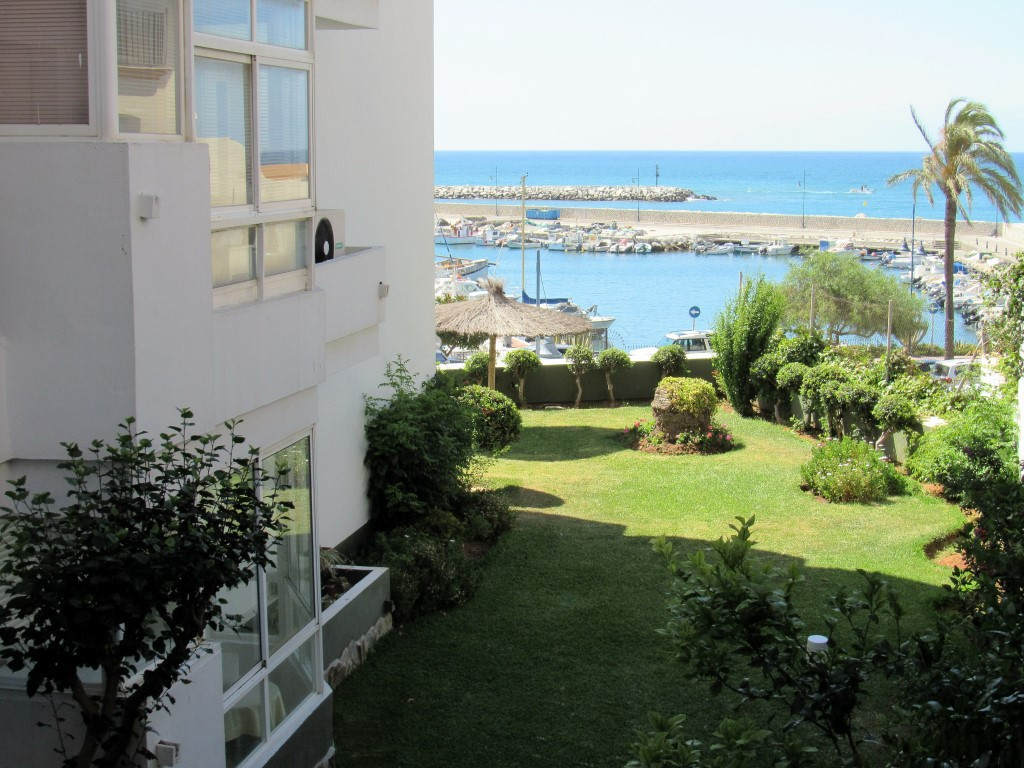 BEAUTIFUL OFFICE WITH SEA VIEWS  BEACHFRONT ! Great studio with sea views, fully renovated, ideal fo, Spain