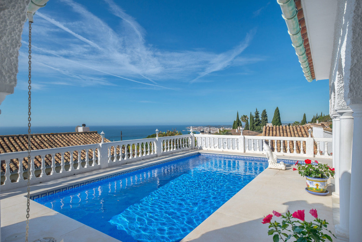 STUNNING views views views! Amazing holiday home with super cozy terraces, private pool and views to, Spain