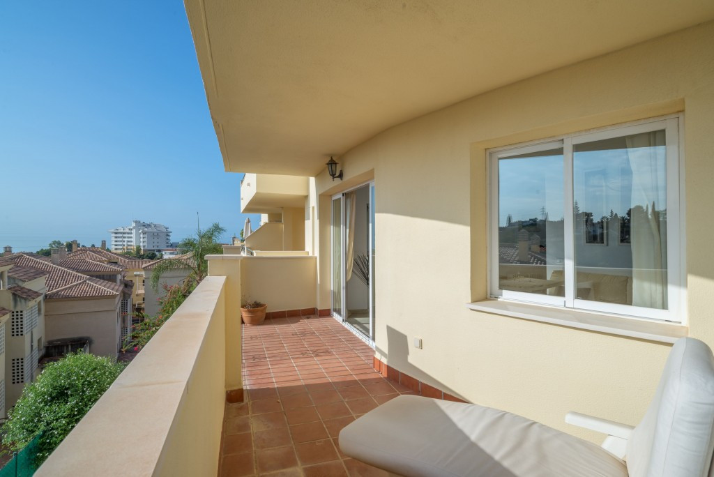 Price reduced! Beautiful 1 bedroom apartment with comunal pool in Torreblanca for sale. Located on t,Spain