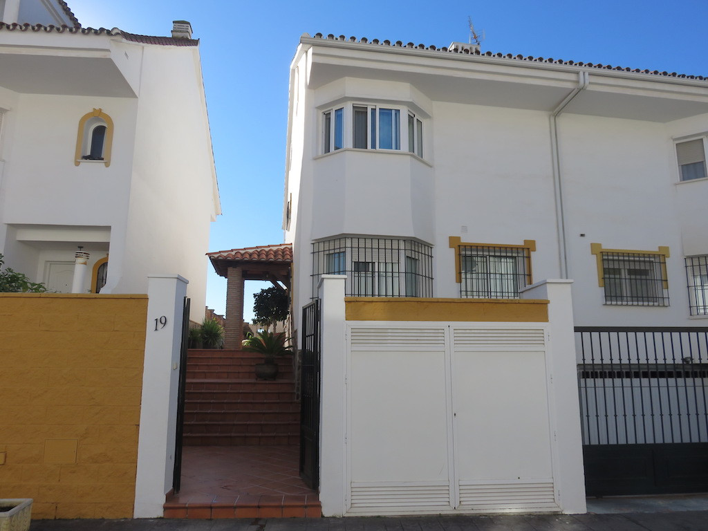 Semi-detached family house with access through the interior street of a quiet residential complex.  , Spain