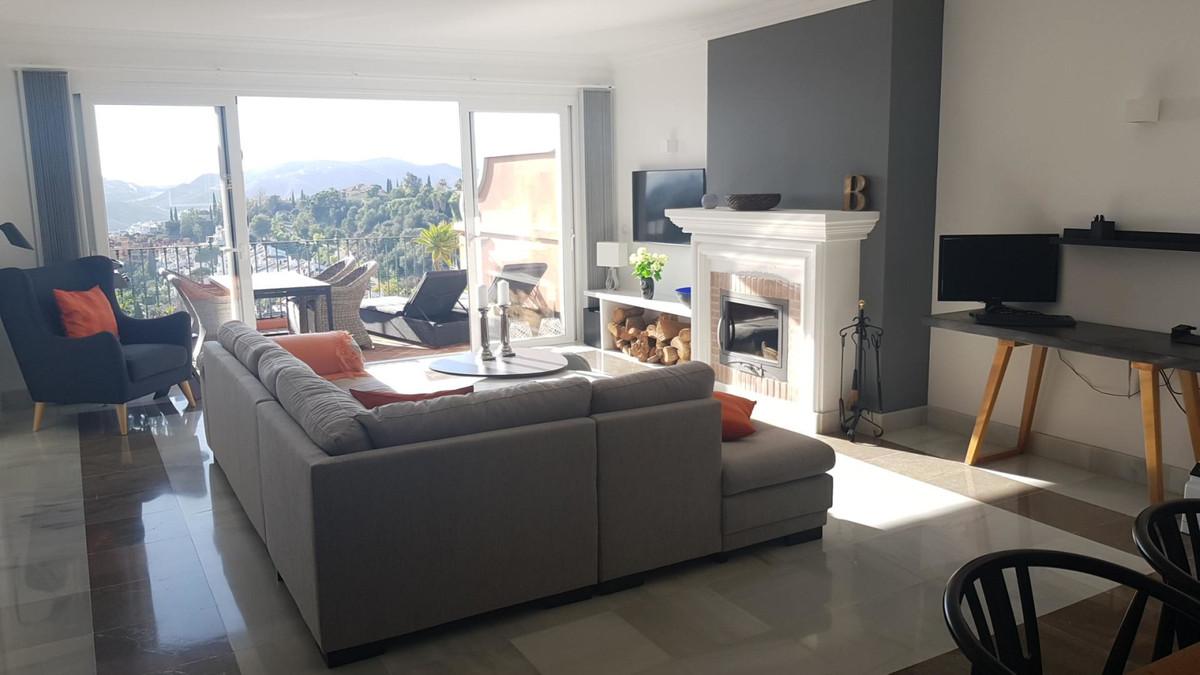 Apartamento en Planta Última en Venta en Benahavís – R3556399