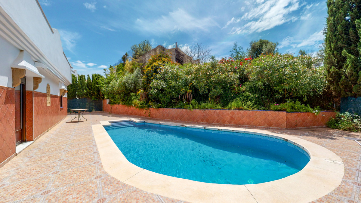 ONE OF A KIND DETACHED VILLA FOR SALE IN CERROS DEL AGUILA  Welcome to this one of a kind villa for ,Spain