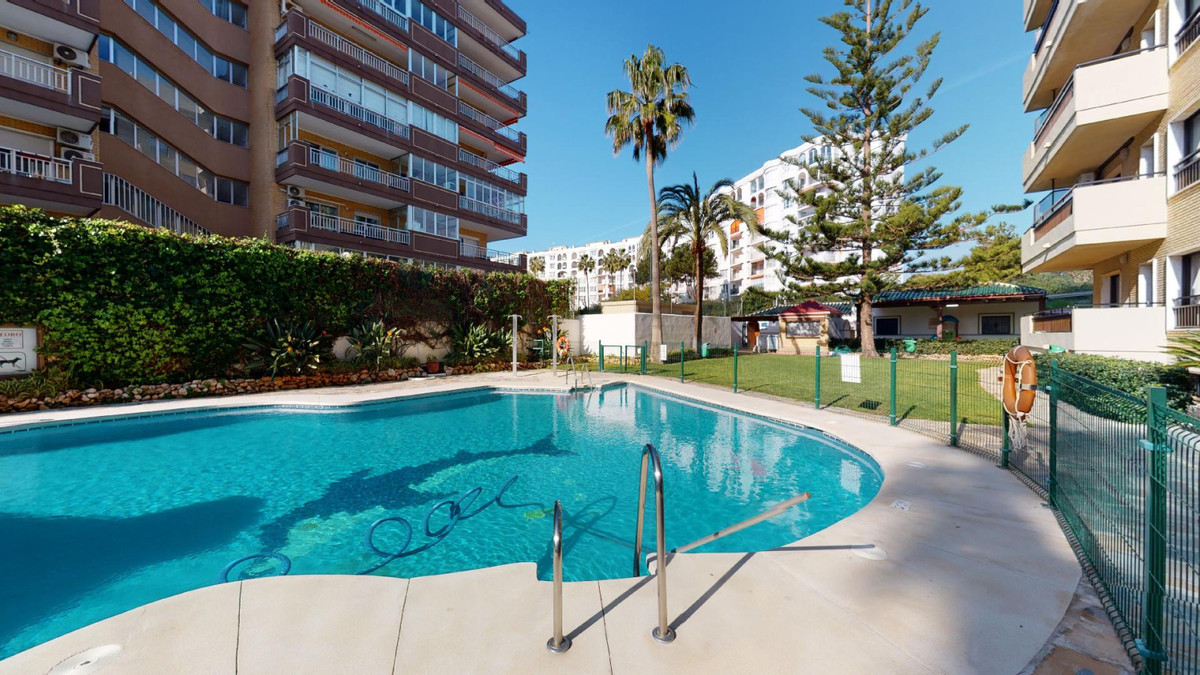 INCREDIBLE INVESTMENT IN FIRST LINE OF BEACH IN LOS BOLICHES, FUENGIROLA  One bedroom apartment locaSpain