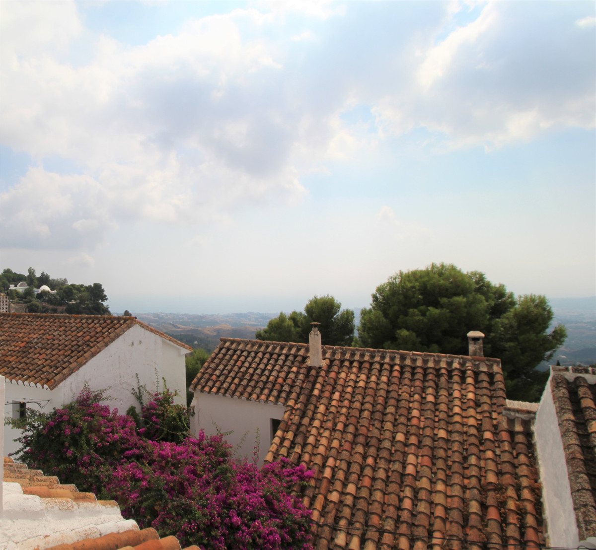 TOWNHOUSE IN THE HEART OF MIJAS PUEBLO  Located in one of the most important streets of Mijas Pueblo,Spain