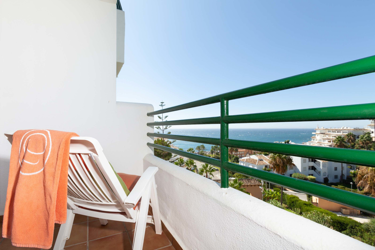 Middle Floor Apartment for sale in Mijas Costa R3710156