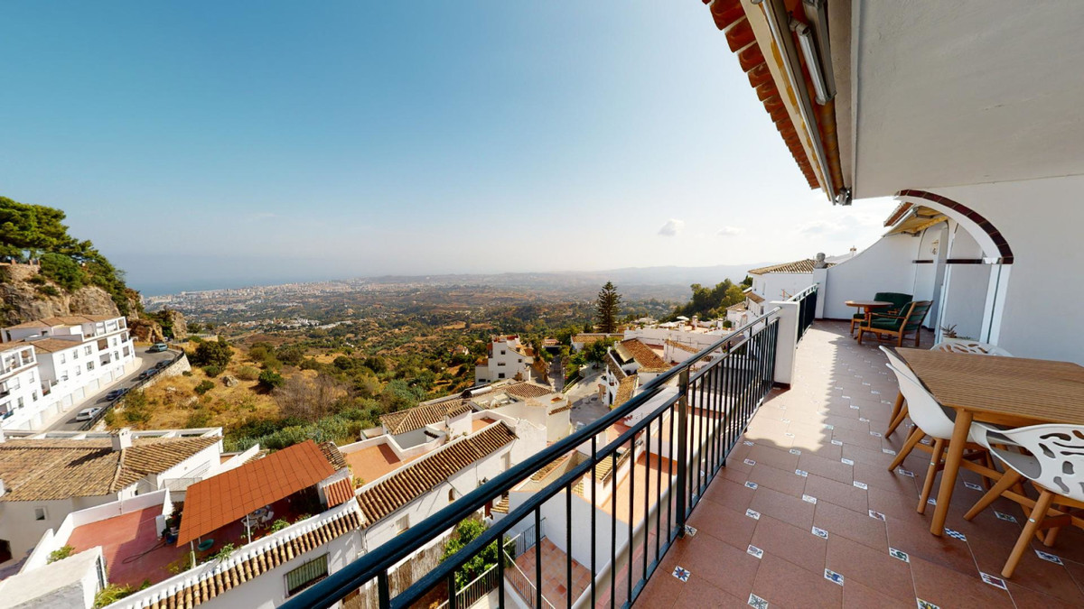 **** EXCLUSIVE PENTHOUSE IN THE HEART OF MIJAS PUEBLO *****  Unique opportunity, 4 bedroom penthouse, Spain