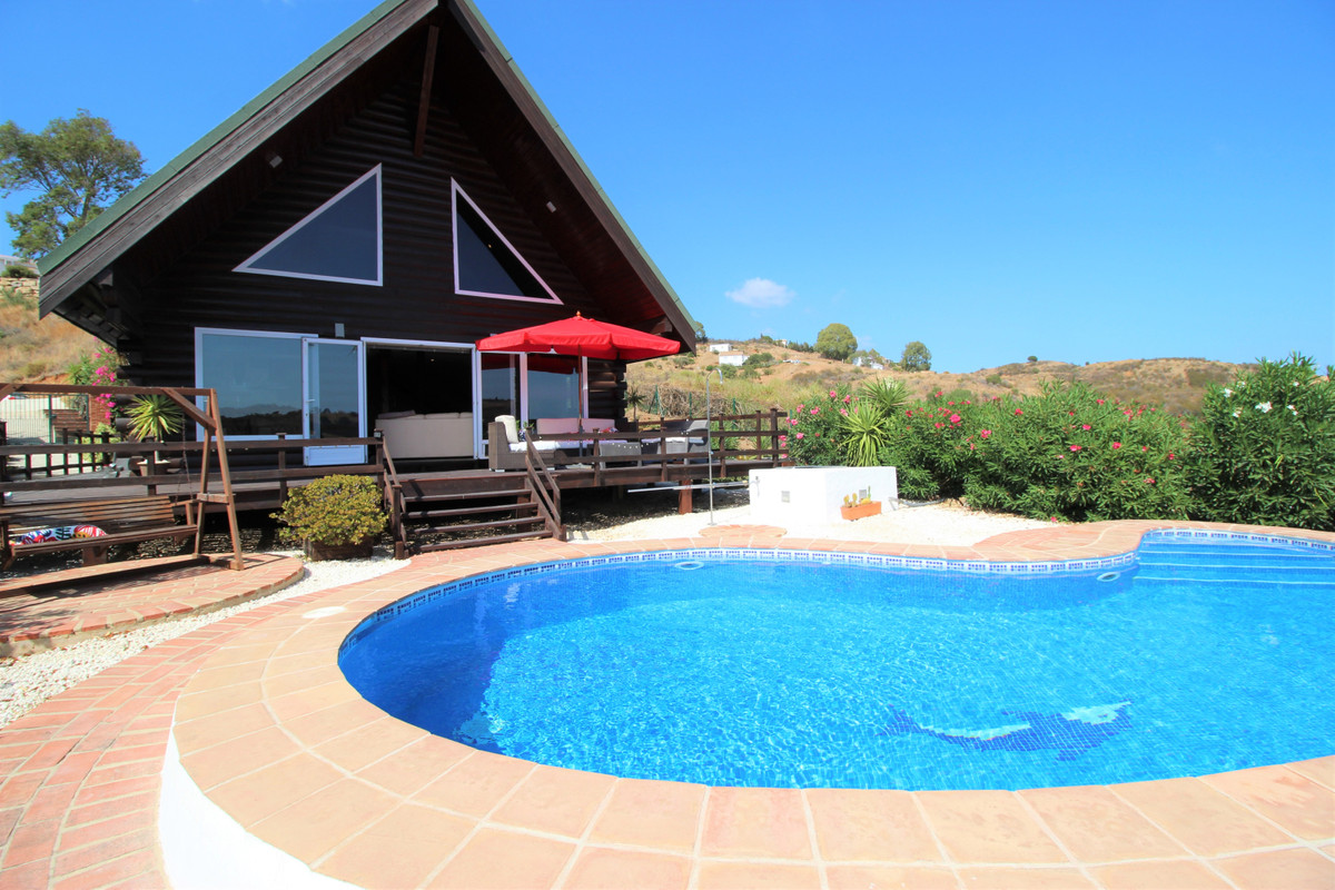 INCREDIBLE HOUSE:THREE BEDROOMS, PRIVATE POOL WITH PANORAMIC VIEWS  UNIQUE OPPORTUNITY!!! Original A,Spain