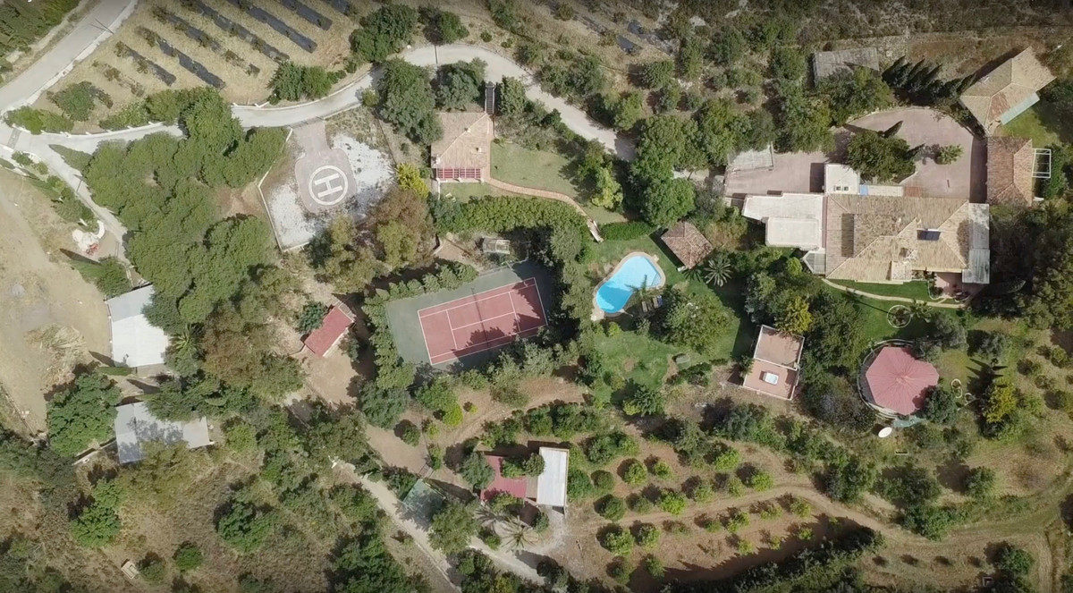 FINCA FOR SALE IN MIJAS   You'll fall in love with this peaceful and charming paradise hidden in Mi,Spain
