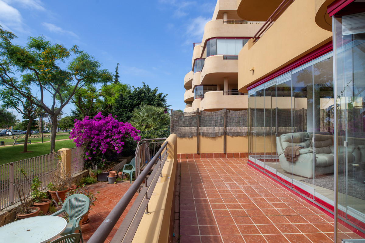 PRICED TO SELL FAST!   Great outdoor space of over 80 sqm, south facing orientation that enables sun,Spain