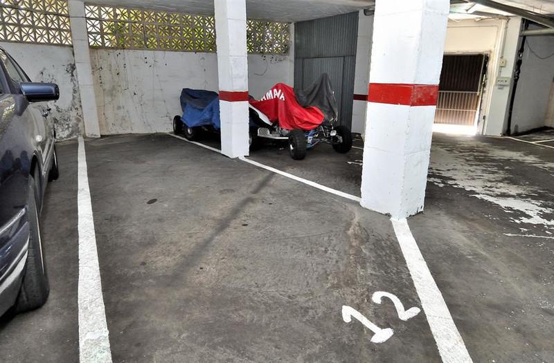 Garaje  en Calahonda