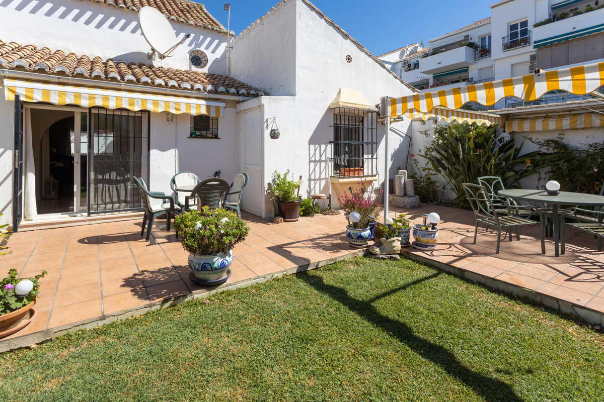 Charming townhouse frontline to Mijas Golf. The house consist of 2 bedrooms and 2 bathrooms, there i, Spain