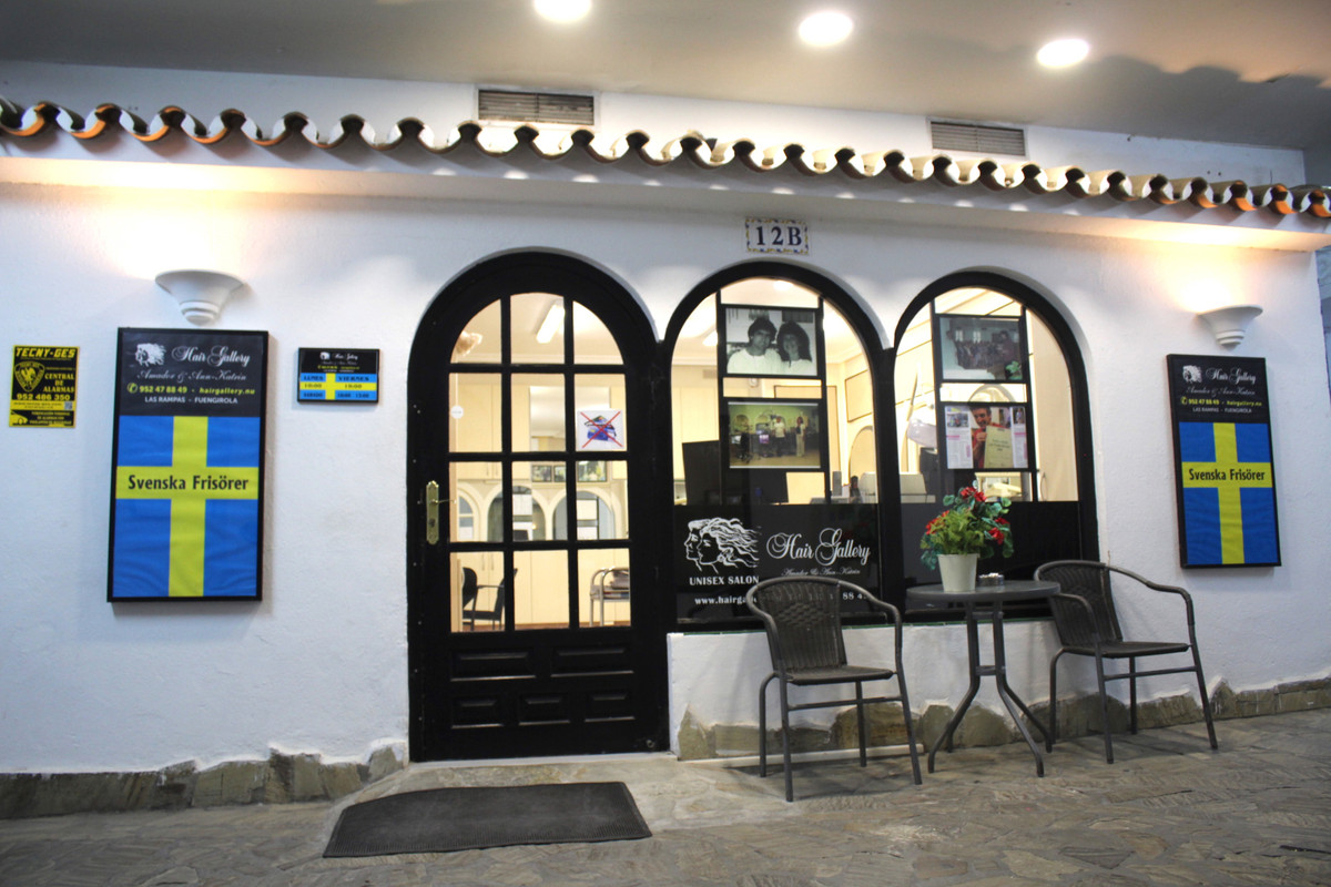 After 35 years, we sell our hairdresser Hair Gallery - Svenska Frisörer. We retire and look for an e,Spain