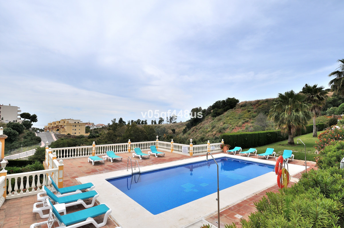 Detached Villa in Riviera del Sol with total 5 Bedrooms and 4 Bathrooms. The Villa is south west fac,Spain