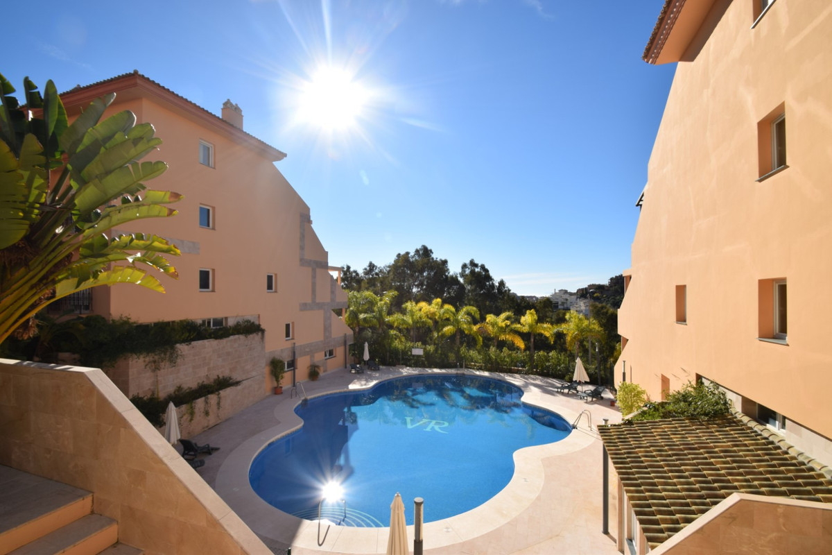 This property offers the possibility of living in a very secure, private and quiet area of Nueva And, Spain