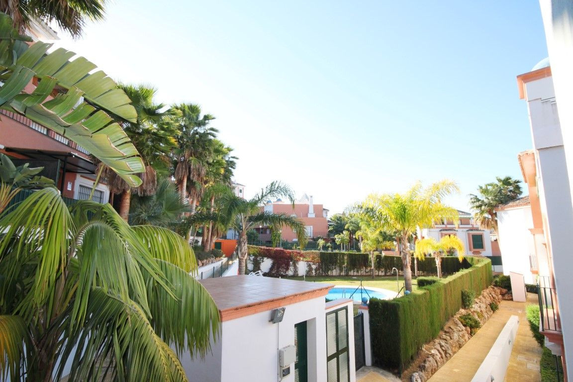 Pleasant and friendly residence situated in a closed complex at a short distance to all amenities an, Spain
