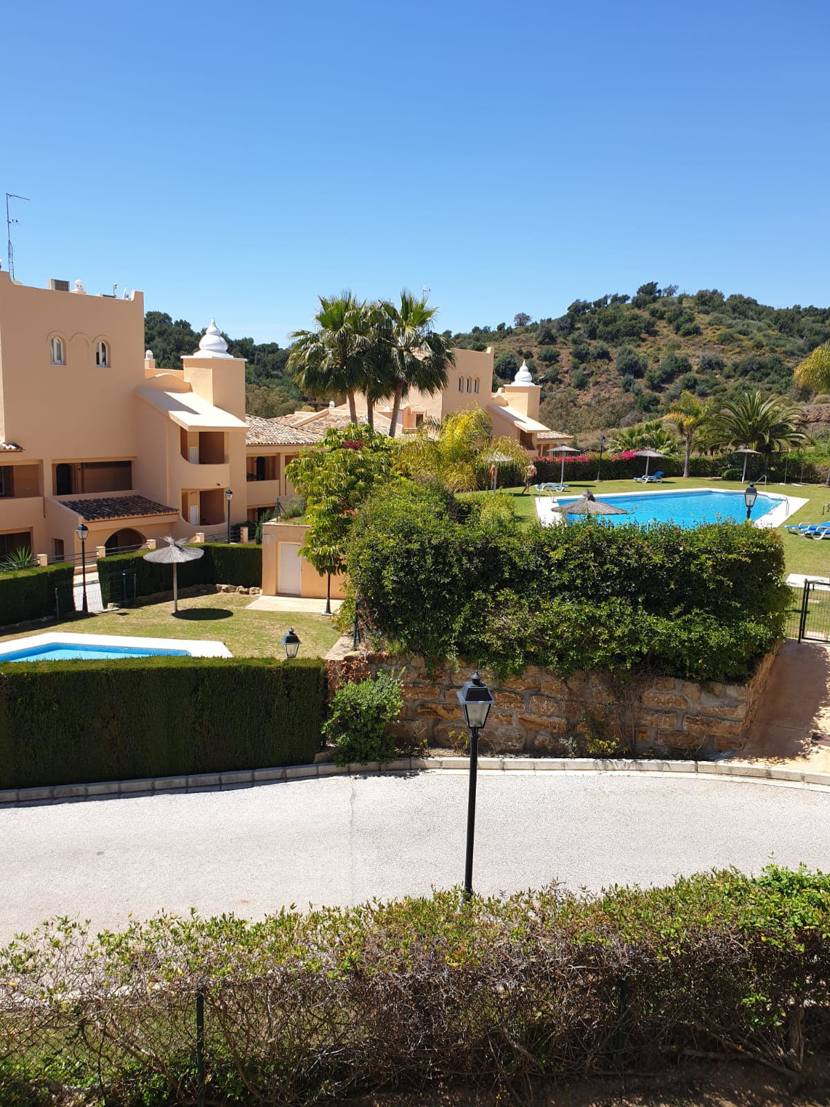 Brand new, UNUSED Beautiful  fully FURNISHED 2 bedroom apartment (was a show flat) in a luxury compl, Spain
