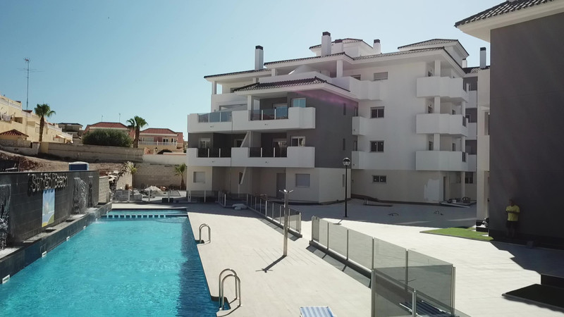 Middle Floor Apartment in Villamartin for sale