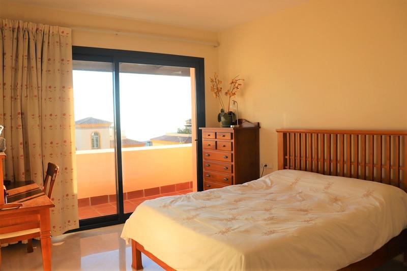 Apartamento Planta Media en venta, Calahonda – R3569665