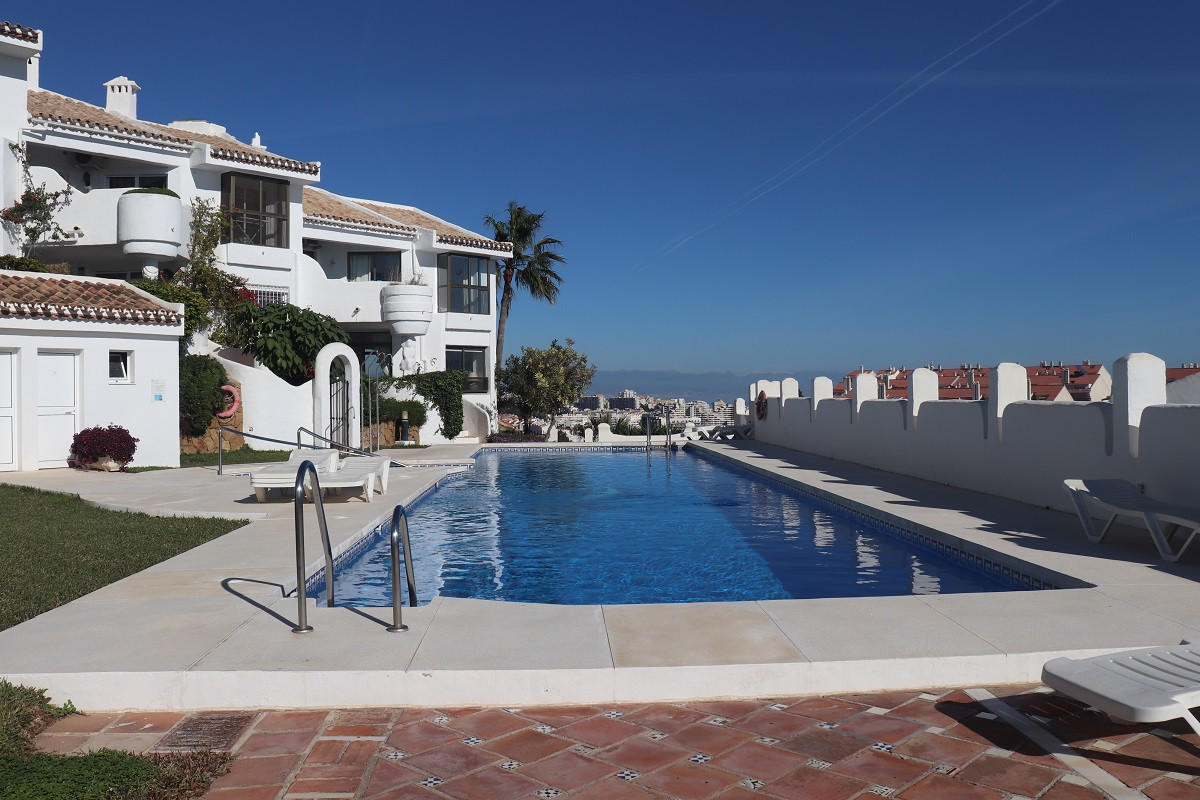 Spacious townhouse in a well kept community called Las Adelfas, Torrequebrada. The property is built,Spain