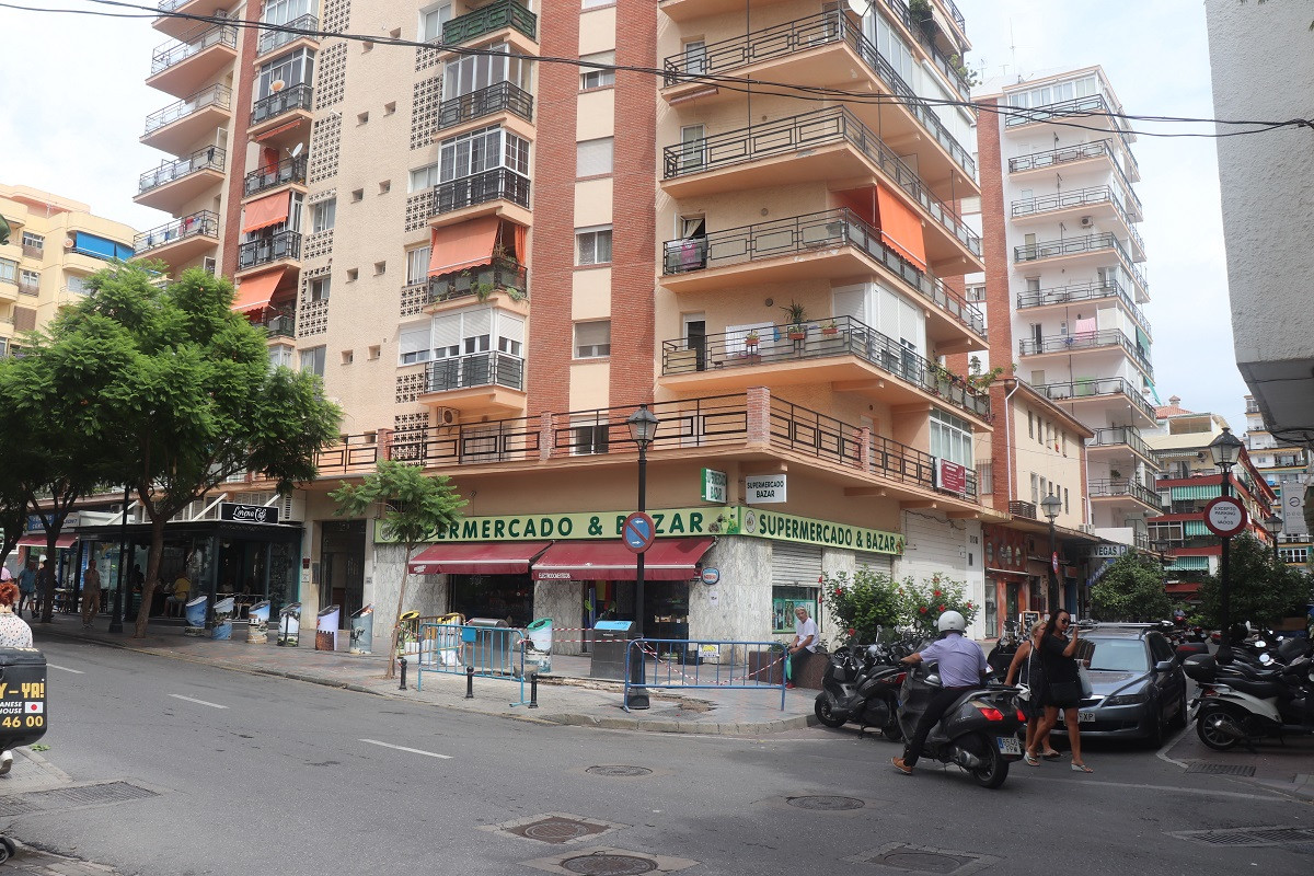 Functional studio apartment in the center of Fuengirola, near the train station and bus station. All, Spain