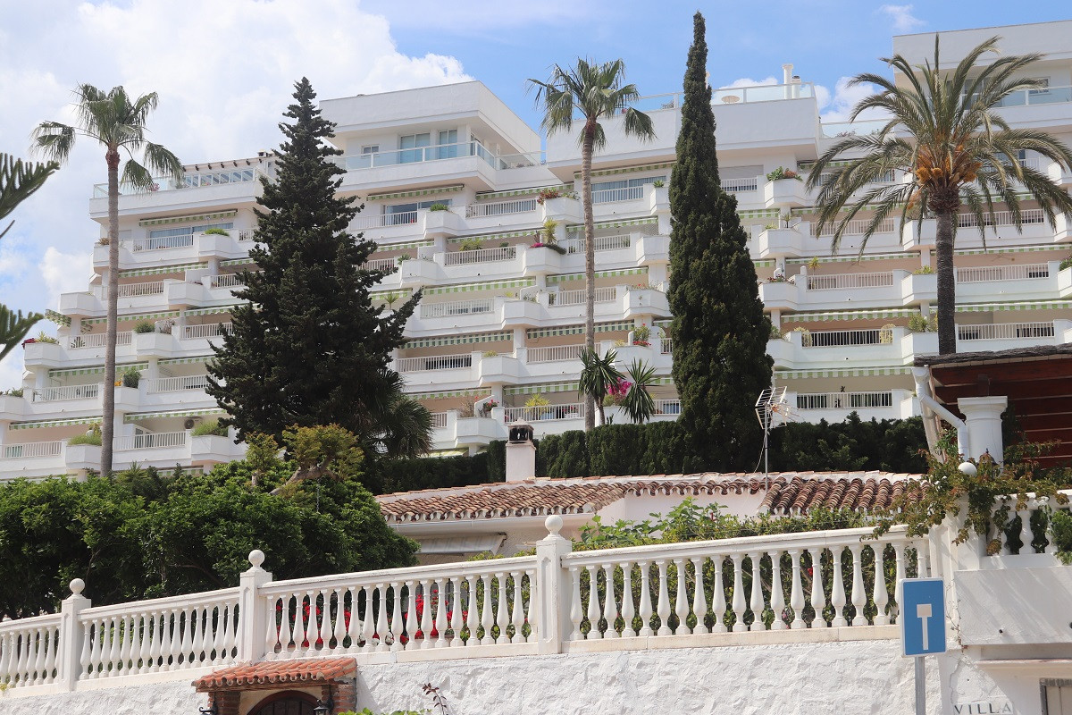 Rarely on offer! Beautifully located, near the beach and services, large apartment of 120m² with a 2,Spain
