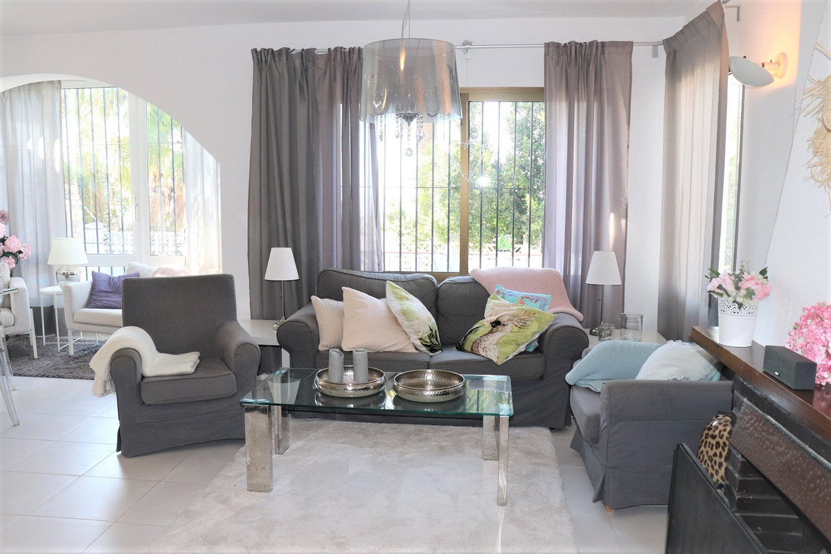 Detached villa with excellent sea views in Torreblanca area, Fuengirola. The property is built on a ,Spain