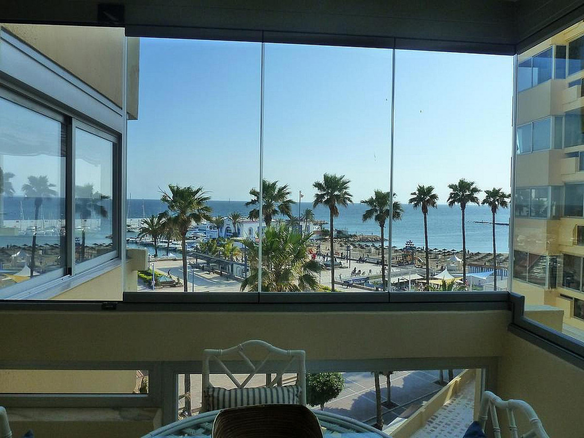 Fabulous apartment in a beachfront building, right in the center of Marbella!  This apartment has so,Spain