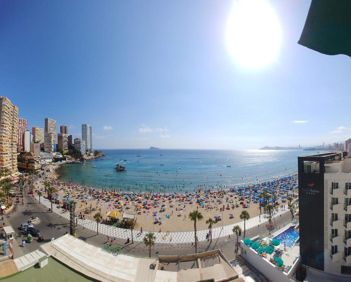 Location location location!! Unic opportunity in front of Playa de Levante de Benidorm! Unbeatable l, Spain