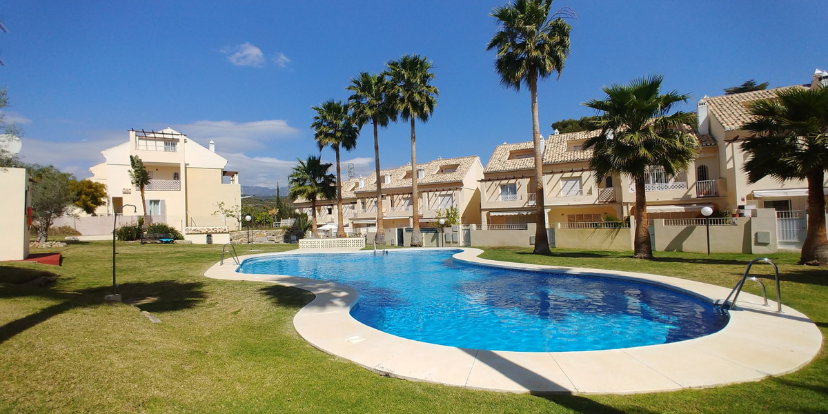 Nice and cozy townhouse in quiet urbanization with gated community, in Marbella East, in El Rosario., Spain