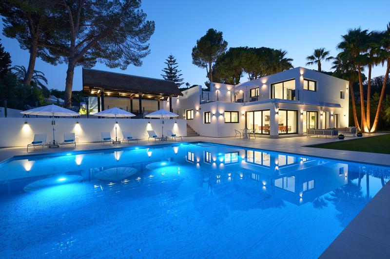 5 Bedroom Detached Villa for Sale, Nueva Andalucía