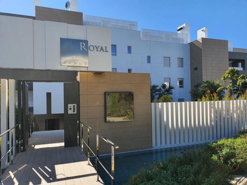 2 Bedroom Penthouse for Sale, Nueva Andalucía
