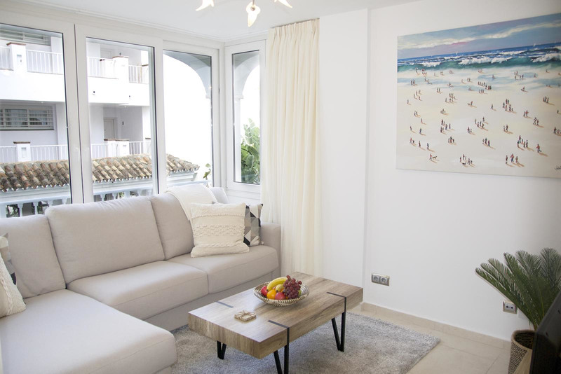 1 Bedroom Middle Floor Apartment for Rent, Nueva Andalucía