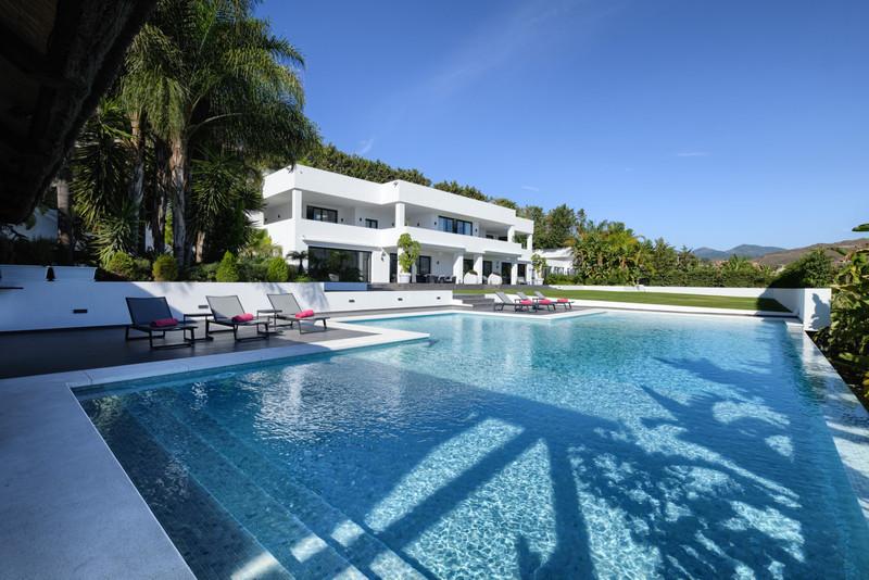7 Bedroom Detached Villa for Sale, Nueva Andalucía
