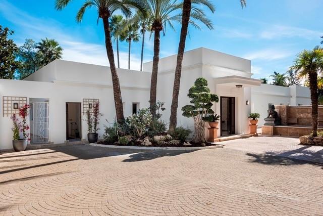 5 Bedroom Detached Villa for Sale, El Paraiso