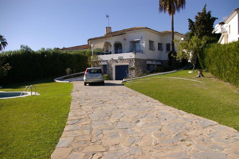 4 Bedroom Detached Villa for Sale, Guadalmina Alta