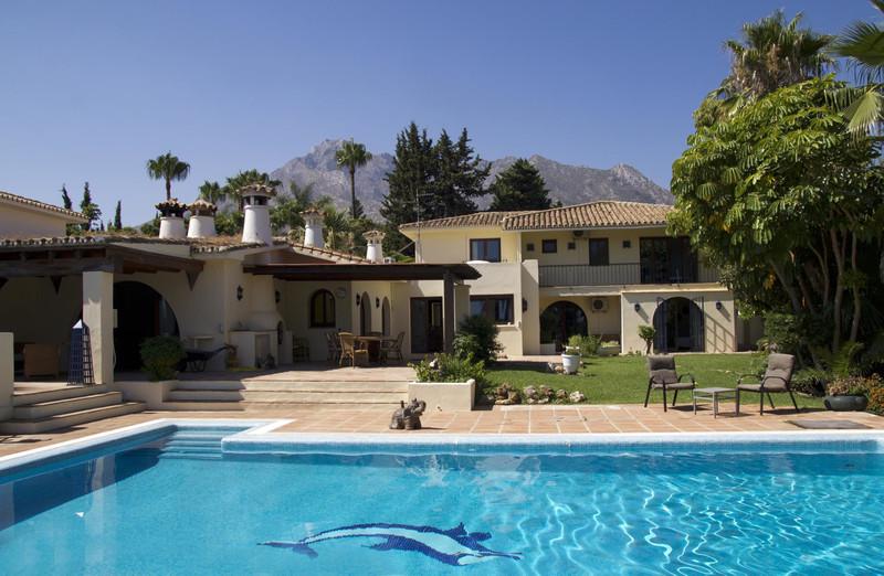 10 Bedroom Detached Villa for Sale, Nagüeles