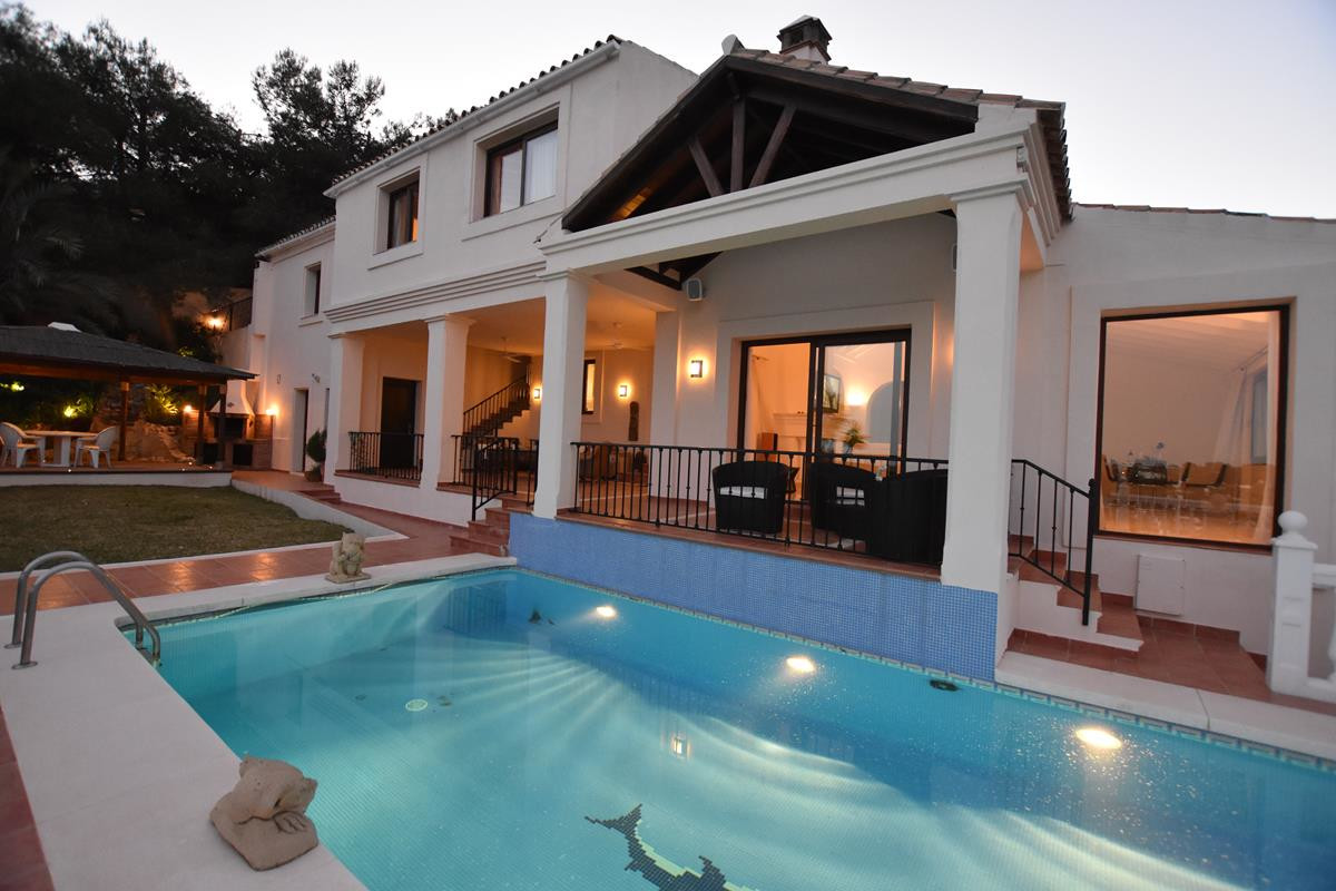 Marbella Banus Villa – Chalet en Venta en El Paraiso – R3274222