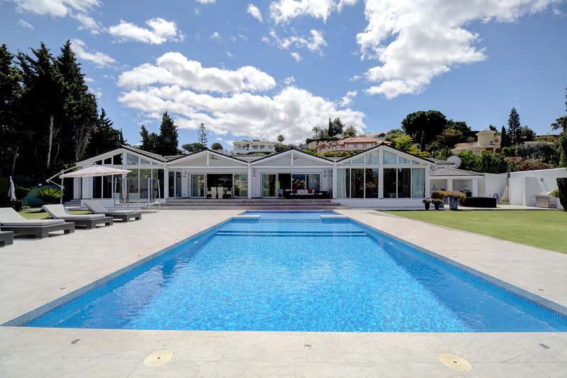 4 Bedroom Detached Villa for Sale, El Paraiso