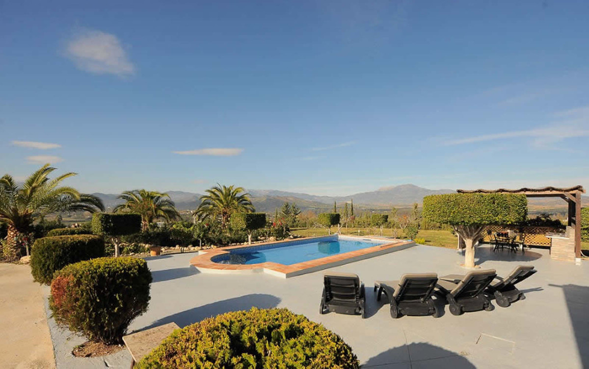 R3596389: House - Finca - Cortijo in Coín
